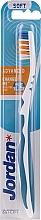 Духи, Парфюмерия, косметика Зубная щетка мягкая Advanced, бело-синяя - Jordan Advanced Soft Toothbrush