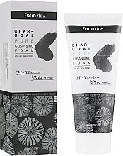 Духи, Парфюмерия, косметика Очищающая пенка с древесным углем - FarmStay Charcoal Pure Cleansing Foam