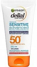 Духи, Парфюмерия, косметика Антивозрастной солнцезащитный крем для чувствительной кожи - Garnier Delial Ambre Solaire Sensitive Advanced Anti-Aging Sunscreen SPF50