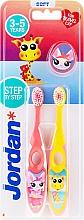 Духи, Парфюмерия, косметика Детская зубная щетка, 3-5 лет, розовая+желтая, с жирафом - Jordan Step By Step Soft Clean