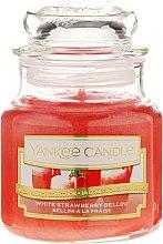 Духи, Парфюмерия, косметика Ароматическая свеча в банке - Yankee Candle White Strawberry Bellini