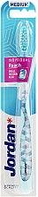 Духи, Парфюмерия, косметика Зубная щетка medium, светло-голубая - Jordan Individual Reach Toothbrush