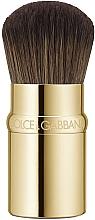 Духи, Парфюмерия, косметика Кисть для тональной основы - Dolce&Gabbana Retractable Kabuki Foundation Brush