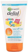 Духи, Парфюмерия, косметика Детский солнцезащитный крем - Garnier Ambre Solaire Delial Sun Milk Sensitive Advanced SPF50