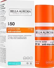 Духи, Парфюмерия, косметика Солнцезащитный флюид для жирной кожи - Bella Aurora Sunscreen Gel Oily Skin SPF50+