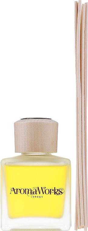 "Ароматический диффузор ""Лемонграсс и бергамот"" - AromaWorks Light Range Lemongrass & Bergamot Reed Diffuser — фото N2"