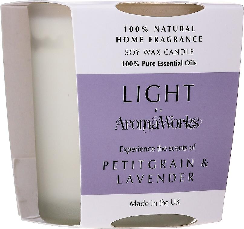 "Ароматическая свеча ""Петитгрейн и лаванда"" - AromaWorks Light Range Petitgrain & Lavender Candle — фото N1"