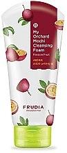 Духи, Парфюмерия, косметика Очищающая пенка для лица с маракуйей  - Frudia My Orchard Passion Fruit Mochi Cleansing Foam