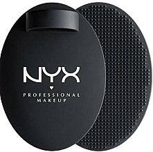 Духи, Парфюмерия, косметика Коврик для очищения кистей - NYX Professional Makeup On The Spot Brush Cleansing Pad