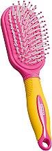 Духи, Парфюмерия, косметика Щетка для волос детская массажная, желто-розовая - Titania
