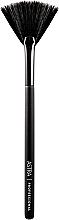 Духи, Парфюмерия, косметика Веерная кисть - Astra Make-Up Face Powder Brush