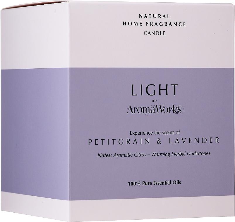 "Ароматическая свеча ""Петитгрейн и лаванда"" - AromaWorks Light Range Petitgrain & Lavender Candle — фото N3"