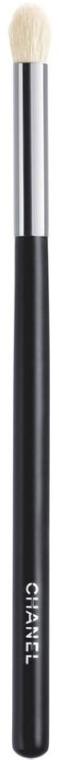 Большая коническая кисточка для теней - Chanel Les Pinceaux De Chanel Large Tapered Blending Brush №19 — фото N1