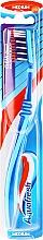 Духи, Парфюмерия, косметика Зубная щетка средней жесткости, сине-голубая - Aquafresh Clean Deep Medium