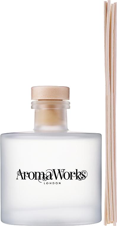 "Ароматический диффузор ""Лемонграсс и бергамот"" - AromaWorks Light Range Lemongrass & Bergamot Reed Diffuser — фото N4"