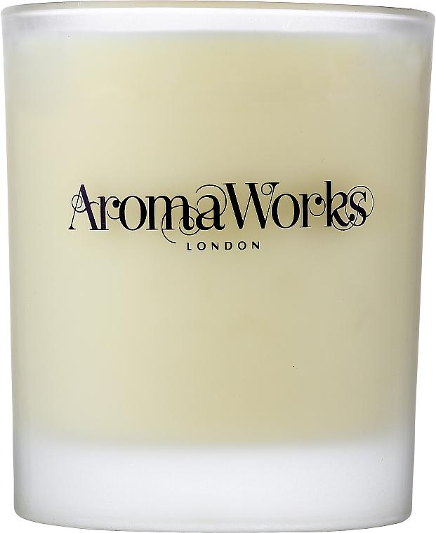 "Ароматическая свеча ""Петитгрейн и лаванда"" - AromaWorks Light Range Petitgrain & Lavender Candle — фото N2"